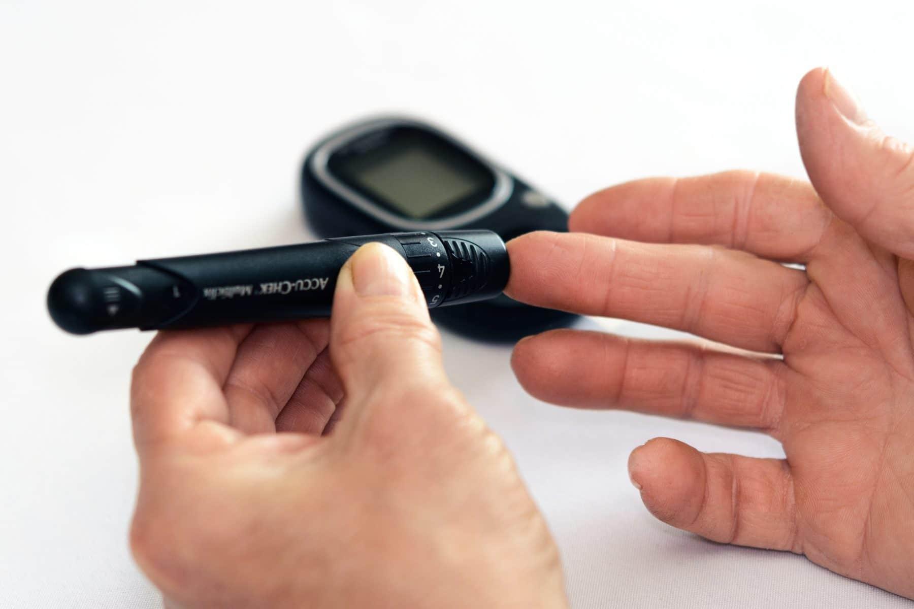 diabetes juvenil causa tratamiento de síntomas